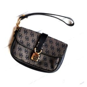Dooney & Bourke Black Wristlet